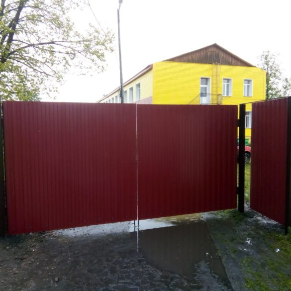 Установка ворот калитки детский садик . П Новоуткинск