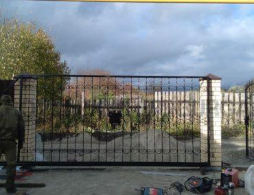 Изготовление откатные ворота с ковкой, г.Ревда